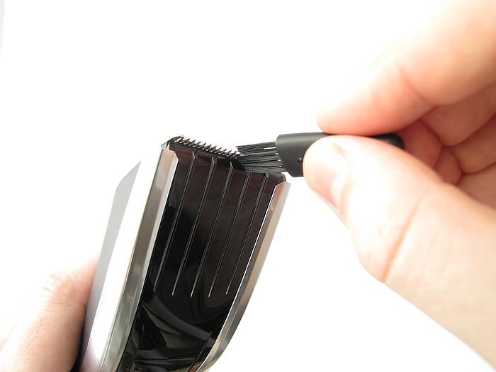 Philips HC7460/15 čištění čepelí