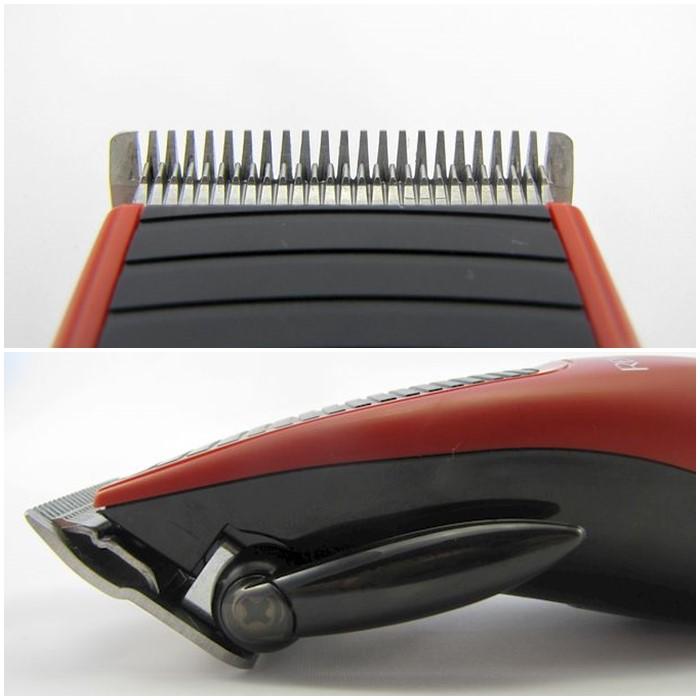 Pokud páku posouváte níž - koncovky obou nožů se vzdalují - větší délka střihu