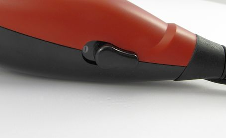 Na zastřihovači vlasů Remington HC5018 Apprentice najdete pouze vypínač