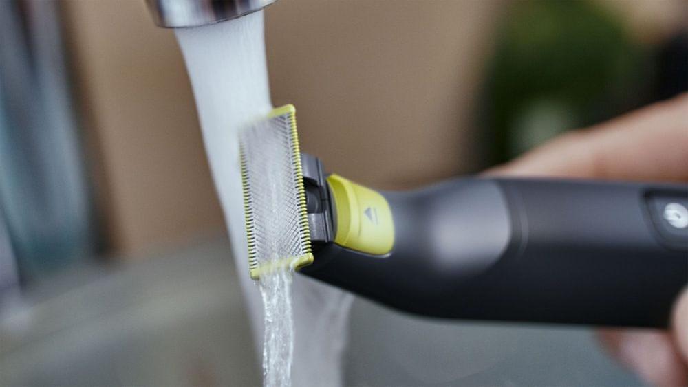 Philips OneBlade Pro QP6530/15 je plně voděodolný a umožňuje používání ve sprše